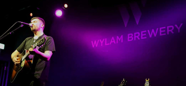 Review and interview: Seán McGowan wows at the Wylam Brewery and why supporting Billy Bragg is a dream come true