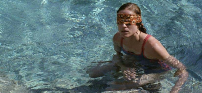 Review: Dogtooth