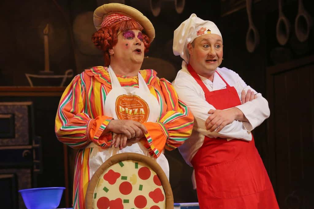 L-R Bobby Crush as Nurse Nelly and Andrew Agnew as Silly Billy
